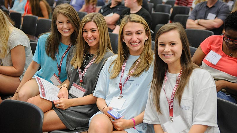 Students participating in Bama Bound orientation activities