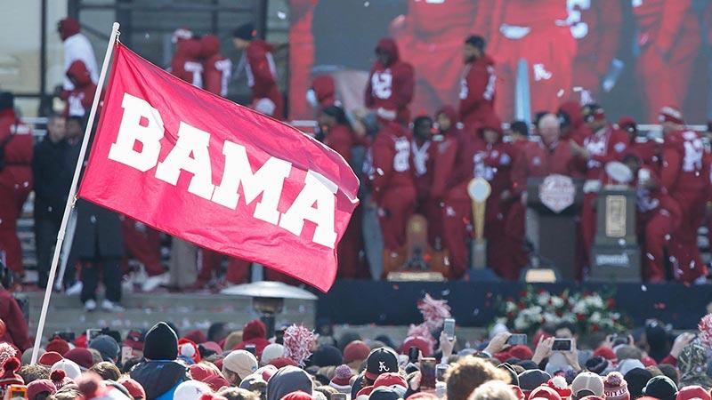 Alabama celebrates winning the 2016 College Football Playoff